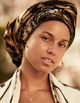 alicia-keys-that-grape-juice-2016-19191010101919110910101010-600x773